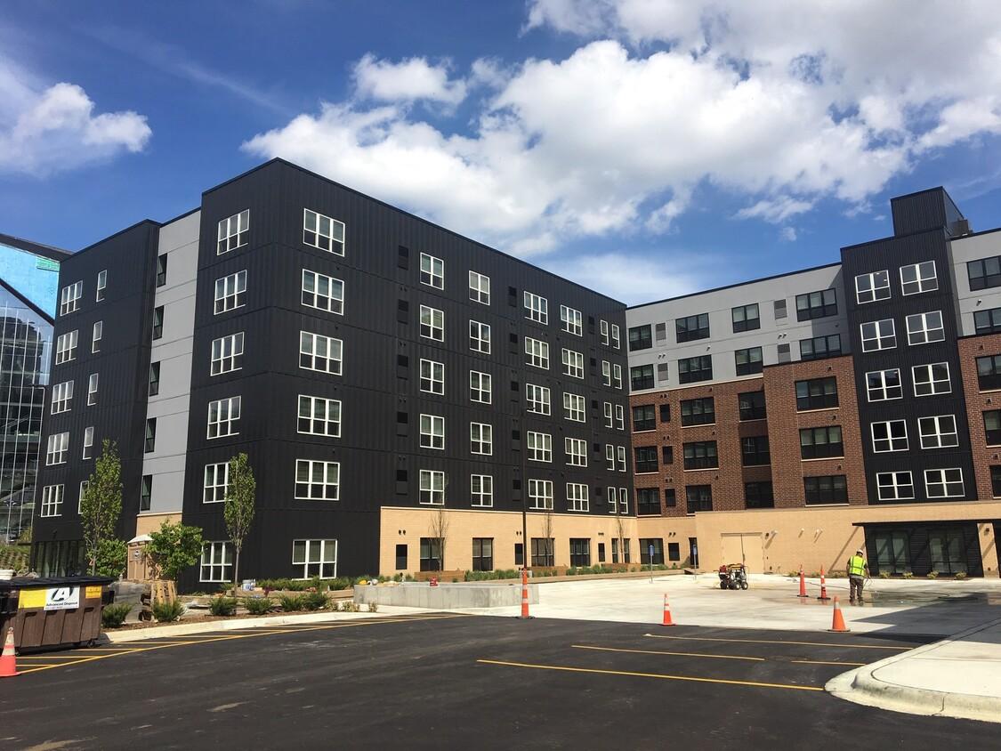 East Town Apartments, Minneapolis, MN